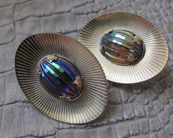 Hollywood Regency Favrile-look Fluted Faceted Iridescent Glass Lg Disc Earrings. Statement Runway Catwalk Costume Jewelry. Designer Quality