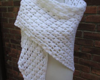Crocheted  White / Shawl / Trellis and Shell Pattern / Triangular