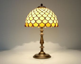 "Fish Scale - Table Lamp. 9"" stained glas shade. Stained glass lamp. Tiffany lamp. Decorative lamp shade. Bedside lamp."