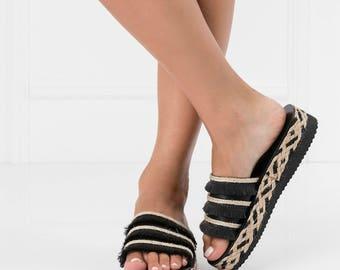 boho women flatforms,fringe sandals,trendy sandals,bohemian chic sandal,flatform sandals,decorated sandal,slip on sandal,trendy summer shoes