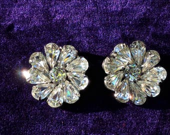 Vintage Weiss Clear Rhinestone Clip Earrings