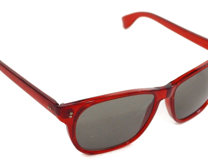 Vintage 70s Foster Grant Clear Red Black Lens Deadstock Wayfarers Sunglasses Shades