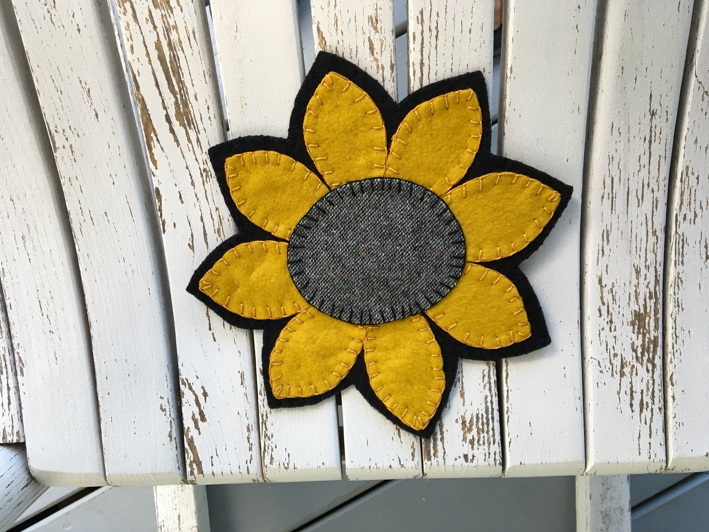 SUNFLOWER Candle Mat Primitive Runner Country Stitchery