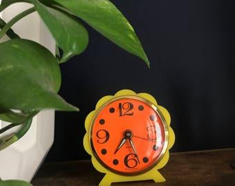 Flower Hippy Vintage Alarm clock