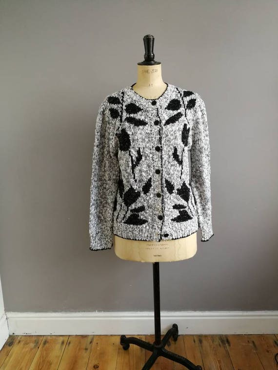 Vintage 80s cardigan / black white cardigan / boho 80s cardigan / floral retro cardigan / slouchy cardigan