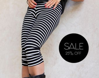 Summer Leggings, Striped Leggings, Yoga Leggings, Boho Stripes Print Tights, Ankle Length Pants, Black And Gray / White Bohemian Pants