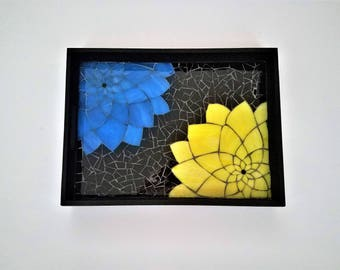 Colorful Dahlia Flower Art, Unique Stained Glass on Wood Mosaic, Wooden Serving Tray,Everlasting Flowers,Colorful Glass Art,Springtime Decor