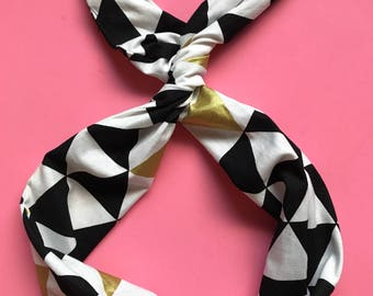 Black and White Triangle Wire Headband
