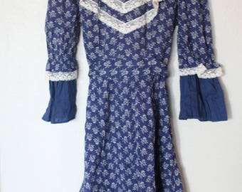 vintage  cream lace navy blue floral ruffle peasant dress