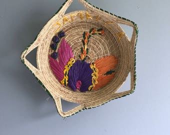Colorful Woven Wall Basket / Raffia Wall Basket / Mexico Wall Basket / Tourist Wall Basket / Mexican Basket