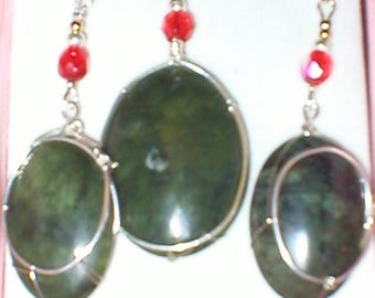 Earrings and pendant set.