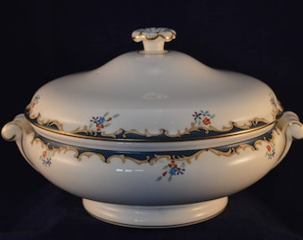 WEDGWOOD CHARTLEY Vegetable Tureen / Serving Dish - Perfect