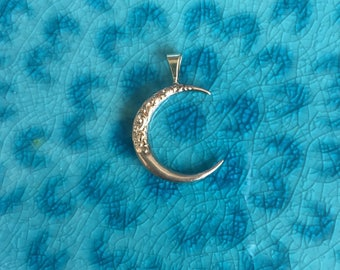 Antique Art Nouveau Repousse Crescent Moon Pendant in 10k Pink Gold - JL865