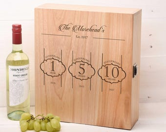 Personalised Wedding Gift, Gifts for The Couple, Anniversary Gift Mr and Mrs Wine Box Champagne box WB4