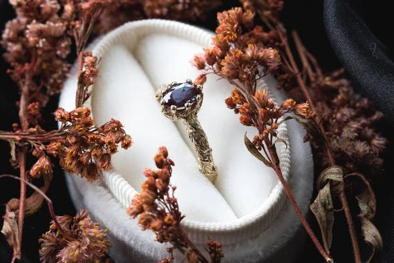 Oval alexandrite gold leaf engagement ring, vintage style engagement ring, oval alexandrite ring, leaf engagement ring, nature engagement