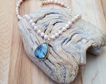 Gold Edged Rainbow Flash Labradortite and  Peach- Pink Freshwater Pearls Beaded Necklace / Freshwater Pearl Necklace / Labradorite Necklace