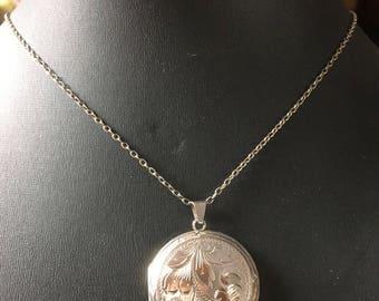 Beautiful 1950 Vintage Hallmarked Birmingham Engraved Sterling Silver Round Locket Necklace