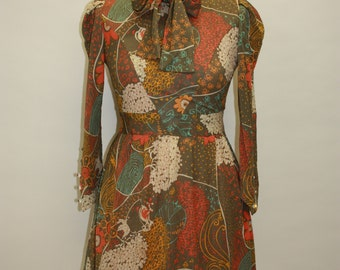 Beautiful Japanese flower Vintage dress with Dew Drop sleeve detail from the 60's