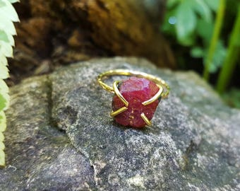 Raw Ruby Ring ~ Boho Lux Raw Stone Engagement Ring ~ Skinny Gemstone Ring - Wife Birthday Idea, Brides Solitaire, Raw Wedding Ring