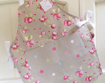 Child's Apron, Strawberries Child's Apron, Child's Apron, Mother and Daughter Gift, Strawberries, Baking, Kitchen