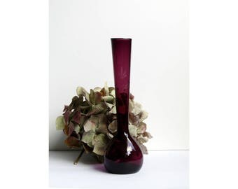 Victorian bud vase - amethyst with cut engraved floral design delicate vintage glass in stunning, deep amethyst plum purple with cute design