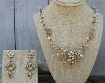FAST SHIPPING!! Beautiful Swarovski Crystals and Fresh Water Pearls Jewelry Set, Bridal Set, Bridal Jewelry Set, Sweet 16 Jewelry Set