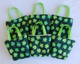 Set of 6 St. Patrick's Day Fabric Gift Bags/ Party Favor Bags/ Goody Bags- Shamrocks on Green