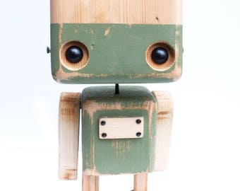 Robot in two-tone olive green - recycled wood