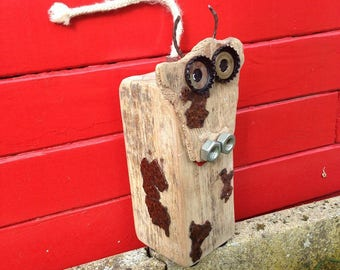 The little cow of driftwood. Farm animal horns