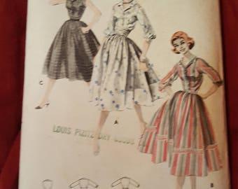 Vintage Butterick #8147  size 18