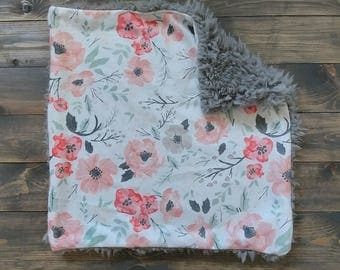 READY TO SHIP.Floral lovey. Floral Blanket. Minky Lovey. Minky Blanket. Baby Blanket. Soft Floral Nursery. Baby Blanket. Lovey