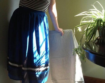 1980s Royal Blue and Black Colorblock Sheer Knee-length Skirt Size M