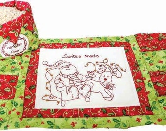 Santa's Reindeer feed basket and mat