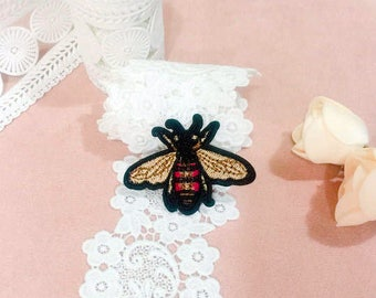 tiny bee patch/iron on patch/embroidered patch/insect/applique/DIY/for jacket