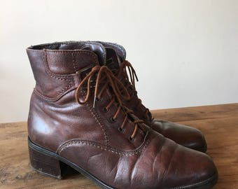Vintage 90s Brown Leather Lace Up Boots, Heeled Boots, Roper Boots, Riding Boots, Women's Boots, Made in Italy,  Size 39, Size 8.5