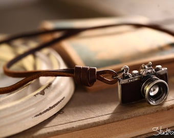 Camera Necklace - Vintage Camera Necklace - Old Camera necklace