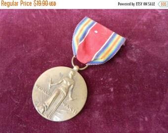 Inventory Sale Vintage WW2 US Victory Medal