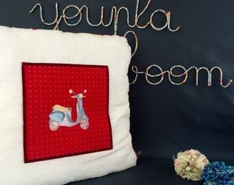 "Cushion ""Vespa"" ecru, red and gray"