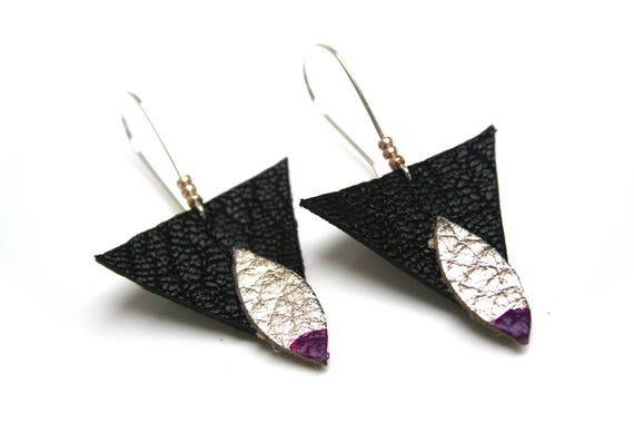 DESTASH earrings leather geometric triangles and navettes, gold and black, purple lacquer, Golden seed beads, silver plated brass