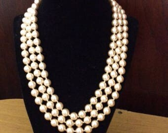 "Jackie Kennedy Faux Pearls 18"""