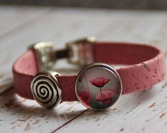 Bracelet made of cork and glass flower