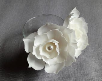 2 silk hairpins white flower
