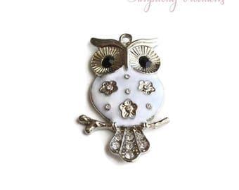 White enameled OWL Silver 5.1 x 3.2 cm pendant
