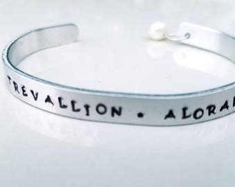 Personalized Mother's bracelet hand stamped with pearl