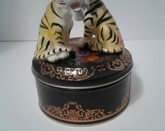 Vintage Bengal Tigers Salt And Pepper Shakers Made in Japan