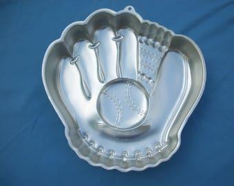 Wilton Cake Pan Baseball Glove Vintage 1987