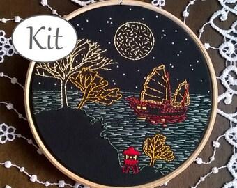 Embroidery kit - hand embroidery kit - Embroidery pattern -  beginner embroidery - modern embroidery  - sea - hoop art - diy kit - travel