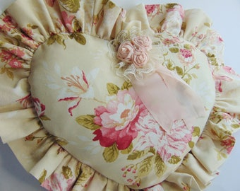 Pillow heart with pink flowers