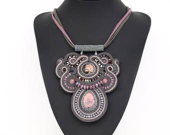 Heather Shade Soutache pendant necklace with rodonite cabochons. Hand soutache embroidery jewelry.