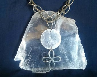 Crystal SELENITE Eternity Necklace // Full Moon Healing Crystal // Selenite Eternity Pendant // Moon Gemstone Jewelry // Gift for Her